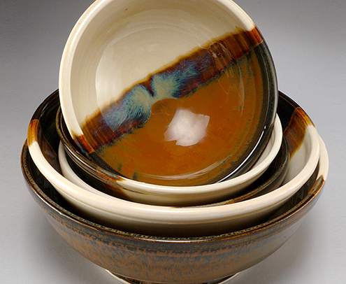 Ceramic bowls in brown and cream